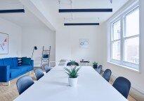 Como os móveis de escritório influenciam na imagem corporativa de uma empresa