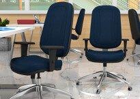 Tradicional ou ousado? A cadeira do seu escritório está adequada para o seu negócio?